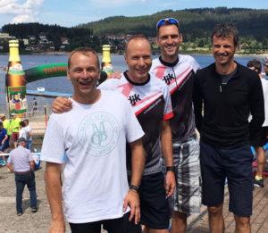 Am Schwimmstart von links nach rechts die erfolgreichen Triathleten: Didi Kässer, Edi Maihöfer, Thomas Waibel und Heiko König.